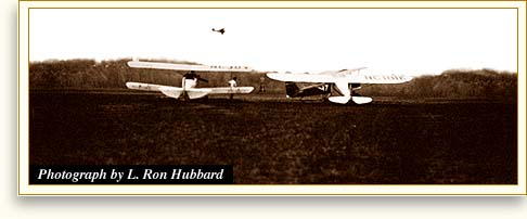 Airplanes photographed by L. Ron Hubbard